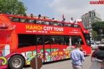 Video: Trải nghiệm 'siêu buýt' hai tầng mui trần vừa lăn bánh tại Hà Nội