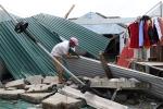 Bão số 10 càn quét miền Trung: 12 người thương vong, hàng chục nghìn ngôi nhà bị tàn phá