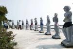 Mặc quần cho tượng 12 con giáp khỏa thân ở Hải Phòng