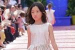 Con gái Lý Á Bằng và Vương Phi lần đầu diễn trước ống kính