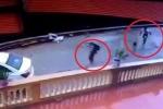 Clip: Du khách đi ô tô, tiện tay trộm ngỗng của dân Tam Đảo
