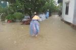 Mưa to kéo dài, nhiều nhà dân ở Nghệ An ngập sâu
