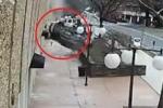 Clip: Ô tô SUV rơi từ tầng 4 garage xuống đất như sung rụng