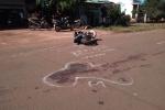 Xe máy lao vào xe công nông, 3 người thương vong