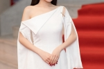 Sau scandal Truong Giang - Nam Em, Nha Phuong lot xac voi ve ngoai goi cam hinh anh 4