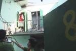Hút thuốc lá khi đi toilet, hầm cầu phát nổ khiến 4 người trong gia đình bị thương