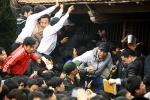 Cảnh tranh cướp, dẫm đạp có còn tái diễn trong lễ khai ấn đền Trần Nam Định 2018?