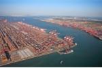 Video: Khu bốc dỡ khổng lồ, xử lý hàng nghìn container mỗi ngày mà không có bóng người