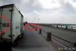 Clip tố xe tải mang biển số tỉnh Bắc Ninh tạt đầu gây tai nạn rồi bỏ trốn