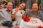 Mỹ Tâm trẻ trung, cực đáng yêu khi cùng đại gia đình tổ chức sinh nhật cho mẹ