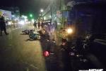 Xe ben cuốn hàng loạt xe máy vào gầm: Một nạn nhân không qua khỏi