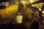 Sập cầu ở Sài Gòn: Tài xế xe tải hét lên kêu cứu rồi rơi xuống sông