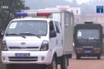 Video: Dẫn giải ông Phan Văn Vĩnh và 91 đồng phạm từ trại giam đến tòa