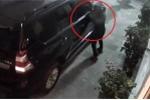 Clip: Trộm vặt gương xe sang Land Cruiser nhanh như chớp ở Hà Nội