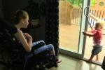 Cô bé bại não 9 tuổi cứu em trai khỏi đuối nước