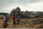 Sập sàn bê tông xây dựng cây xăng ở Huế, 7 người bị vùi lấp
