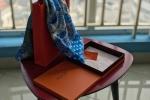 Trên tay khăn lụa Khải silk: Giá 1,6 triệu đồng nhưng đường kim mũi chỉ như 'hàng chợ'