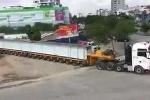 Cận cảnh siêu xe 174 bánh như con 'rết khổng lồ' trên đường phố Hải Phòng