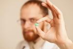 Tại sao chế tạo ra thuốc tránh thai dành cho nam giới lại khó đến vậy?