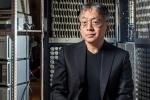 Không phải Murakami, nhà văn gốc Nhật Kazuo Ishiguro giành giải Nobel Văn học