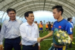Khủng hoảng VFF thử thách bản lĩnh Bộ trưởng Nguyễn Ngọc Thiện