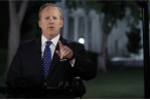 Thư ký Nhà Trắng trốn trong bụi cây, tránh phỏng vấn vụ sa thải Giám đốc FBI