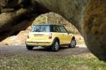 'Thèm' những chiếc ô tô giá rẻ từ 30 triệu đồng tại Anh