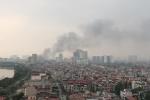 Clip: Cháy gian hàng vàng mã ở chợ Quang - Hà Nội, lửa bùng phát dữ dội
