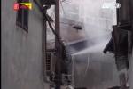 TP.HCM: Nhà bốc cháy đùng đùng trong mưa sau tiếng sét