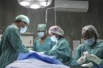 Hy hữu: Mẹ nhiễm HIV hiến tạng cứu con