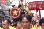 Nghìn người hò reo rước pháo chạm rồng phượng dài 6m tại Bắc Ninh