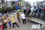 Bão số 10 hoành hành, Quảng Ninh cấm xe máy qua cầu Bãi Cháy