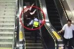 Clip: Nữ cảnh sát phản ứng nhanh như cắt, cứu mạng cụ bà ngã thang cuốn