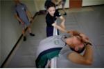 Binh sỹ Hàn Quốc oằn mình tập múa ba lê