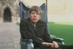 Căn bệnh thiên tài vật lý Stephen Hawking mắc phải đáng sợ thế nào?