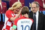Nữ Tổng thống Croatia đốn tim hàng triệu người với những khoảnh khắc đắt giá này