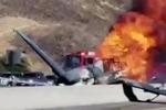 Clip: Máy bay lao đầu xuống cao tốc, bốc cháy ngùn ngụt