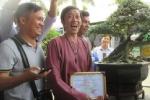 Mang cây bonsai nửa tỷ đồng đi thi, NSƯT Hoài Linh 'ẵm' luôn giải nhất