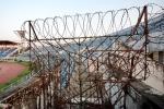 Hàng rào thép gai bảo vệ hơn 2 ngàn CĐV Việt Nam trên sân Myanmar