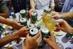 Gan 45% nam gioi Viet uong ruou bia o muc nguy hai hinh anh 1