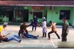Video: Nữ cao thủ sở hữu võ 'điện cao thế', chỉ giậm chân khiến đối thủ 'chết đứng'