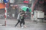 Áp thấp nhiệt đới đổ bộ, miền Nam mưa to