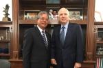 Đại sứ Phạm Quang Vinh gặp Thượng nghị sỹ Mỹ John McCain