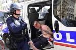 Tin tức Euro 12/6: Đến lượt CĐV Ba Lan, Bắc Ailen choảng nhau không thương tiếc