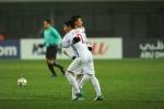 Tuyển thủ U23 Việt Nam hai năm ròng rã dành tiền trả nợ cho cha mẹ