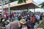 Hỗn loạn tại BOT Sóc Trăng: Xuất hiện người lạ đánh tài xế rồi trốn vào trụ sở trạm thu phí
