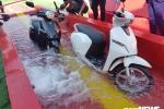 Cận cảnh xe máy điện VinFast Klara, khả năng ngâm nước tuyệt vời trong 30 phút