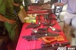 Kho vũ khí 'khủng' trong nhà tên giang hồ khét tiếng tại Hà Nội