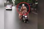 Clip: Hoảng hồn nữ 'ninja' Hà Nội quấn chăn kín mít ra đường để chống rét