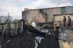 Video: Hiện trường khu nhà xưởng bốc cháy giữa trưa ở Hà Nội